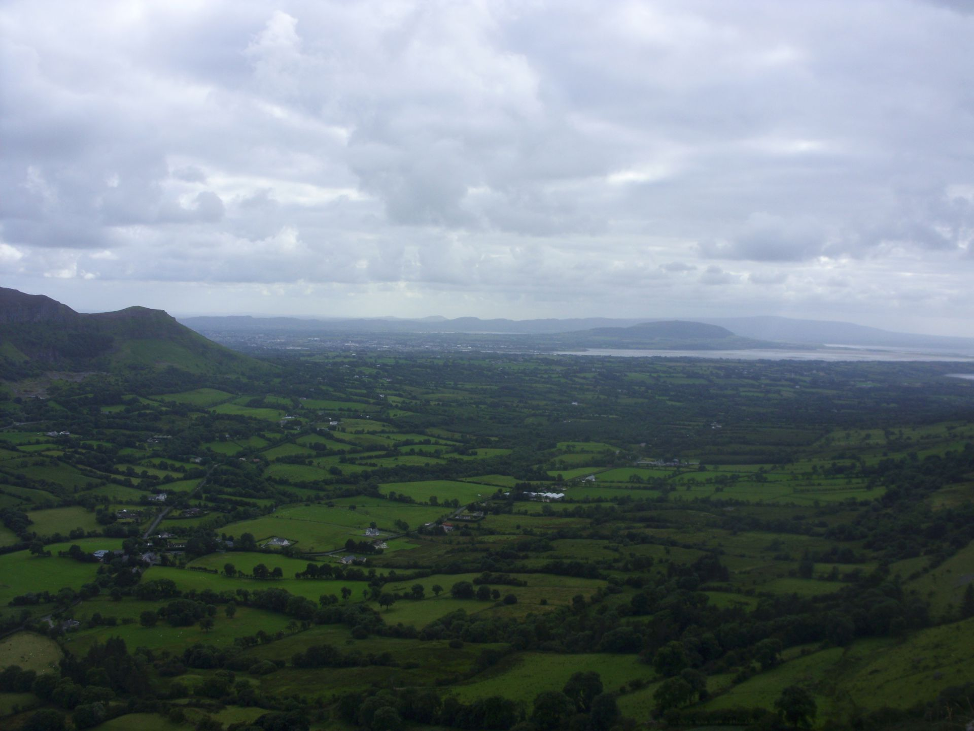 584 Benbulbin view on Sligo, Knocknarea and Copes Mountain